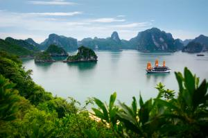 Halong Bay legend