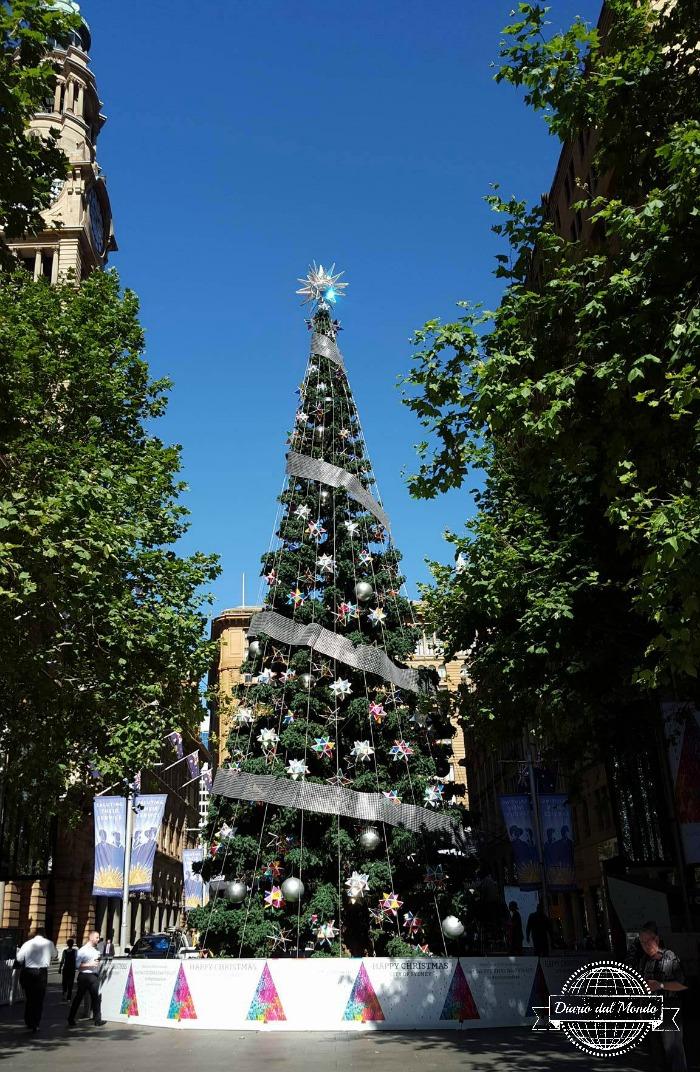 xmas tree martin place